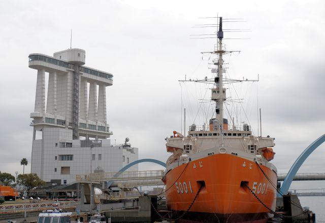 s2-南極観測船170325DSC04879xx64.JPG