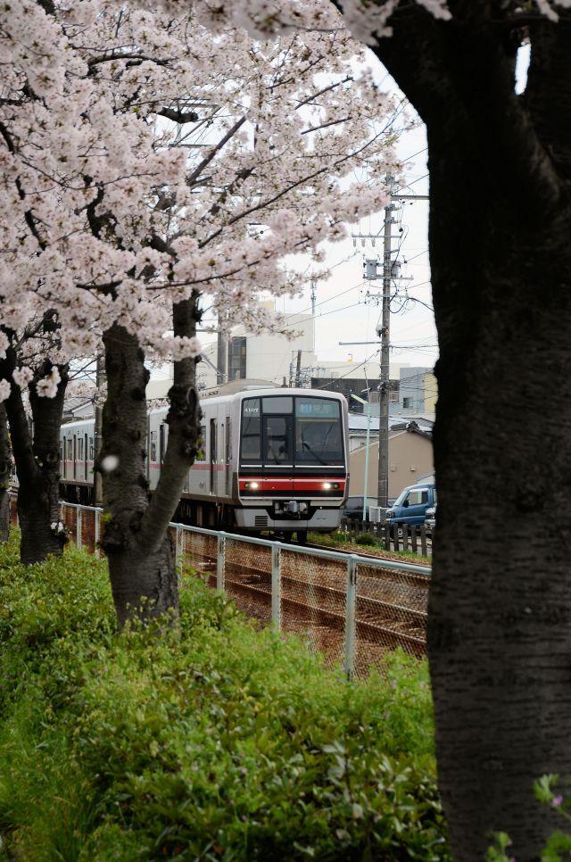 s4-瀬戸線170409_7185xx64.JPG